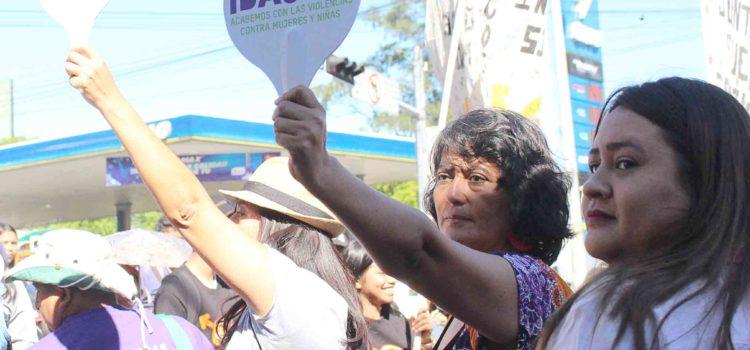 ¡Basta ya a la violencia contra las mujeres!