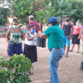Comunidades del municipio de Intipucá avanzan en la implementación de las iniciativas productivas y sistemas de cosechas de agua