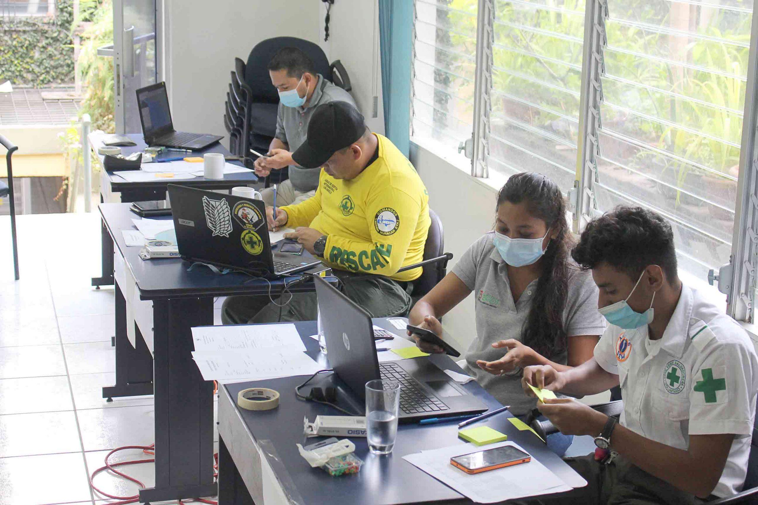 Fortaleciendo capacidades de respuesta de la sociedad civil ante emergencias y desastres